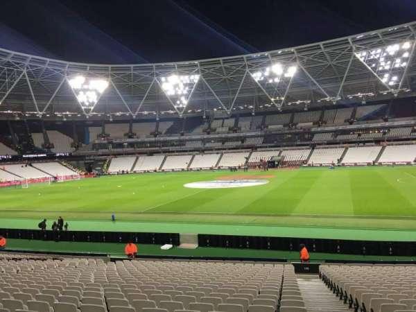 London Stadium, secção: 138, fila: 24, lugar: 212