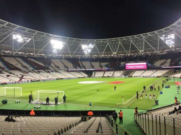 London Stadium, secção: 155, fila: 22