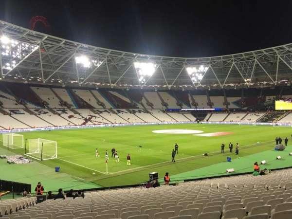 London Stadium, secção: 103, fila: 25