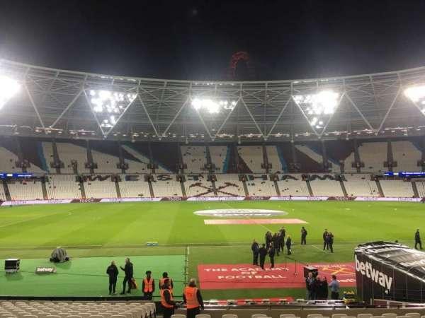 London Stadium, secção: 108, fila: 30