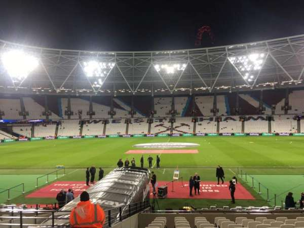 London Stadium, secção: 109, fila: 17