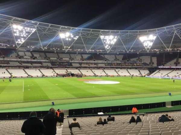 London Stadium, secção: 133, fila: 25