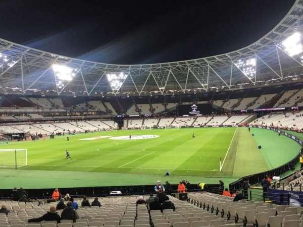 London Stadium, secção: 127, fila: 22