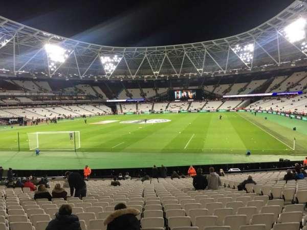 London Stadium, secção: 126, fila: 22