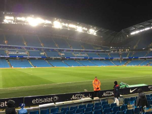 Etihad Stadium (Manchester), secção: 131, fila: G, lugar: 810