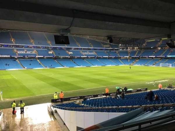 Etihad Stadium (Manchester), secção: 131, fila: Cc, lugar: 839
