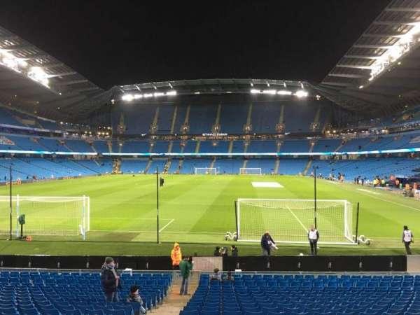 Etihad Stadium (Manchester), secção: 136, fila: W, lugar: 985