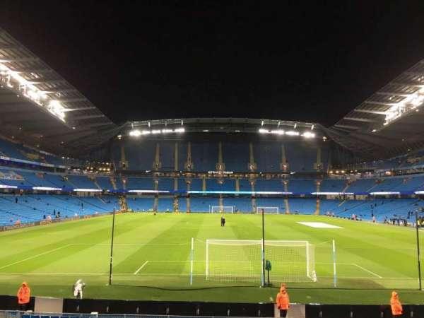 Etihad Stadium (Manchester), secção: 137, fila: X, lugar: 1030