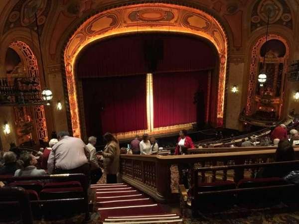 Shea's Buffalo, secção: Balcony 6, fila: Q, lugar: 25