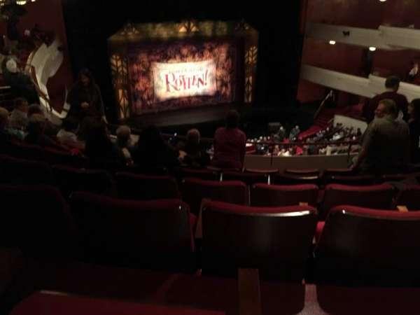 Thrivent Hall at Fox Cities Performing Arts Center, secção: Family Circle, fila: D, lugar: 405