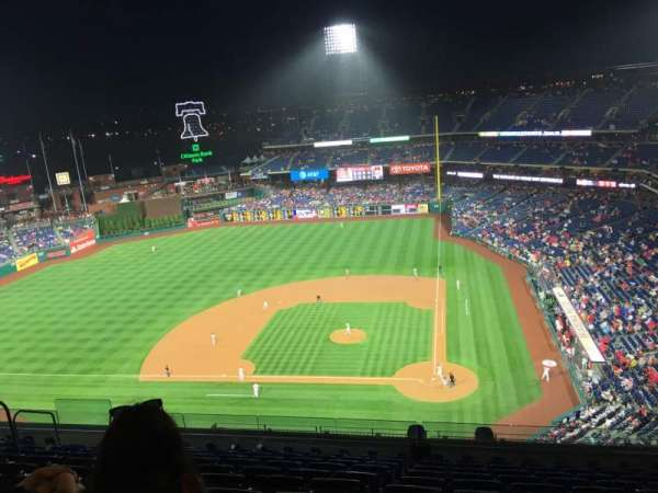 Citizens Bank Park, secção: 424, fila: 11, lugar: 11