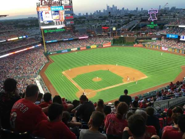 Citizens Bank Park, secção: 419, fila: 15, lugar: 4
