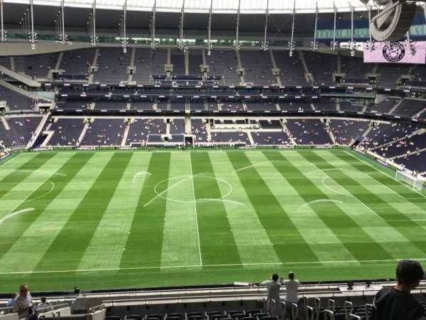 Tottenham Hotspur Stadium, secção: 527, fila: 19, lugar: 840