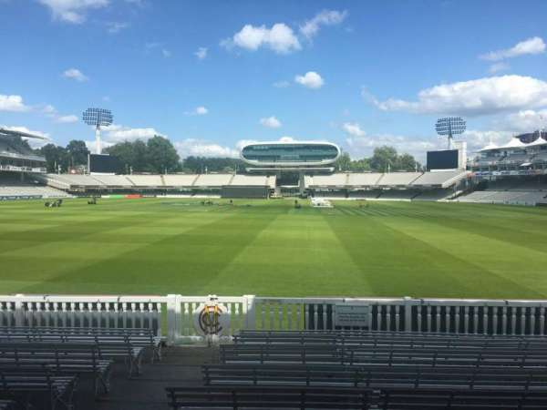 Lord's Cricket Ground, secção: Long Room