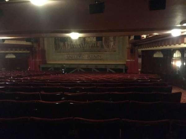 Phoenix Theatre, secção: Grand Circle, fila: R, lugar: 1