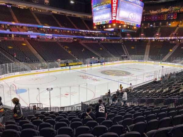 T-Mobile Arena, secção: 13, fila: S, lugar: 7
