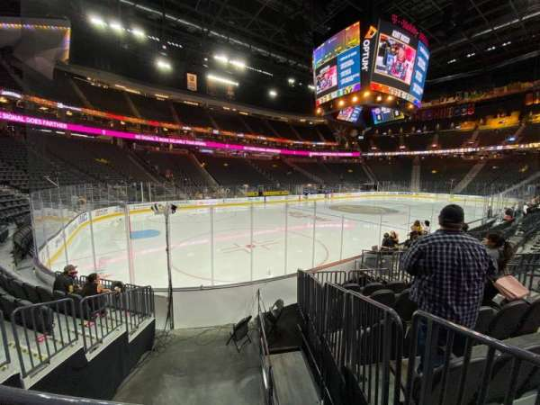 T-Mobile Arena, secção: 13, fila: F, lugar: 5