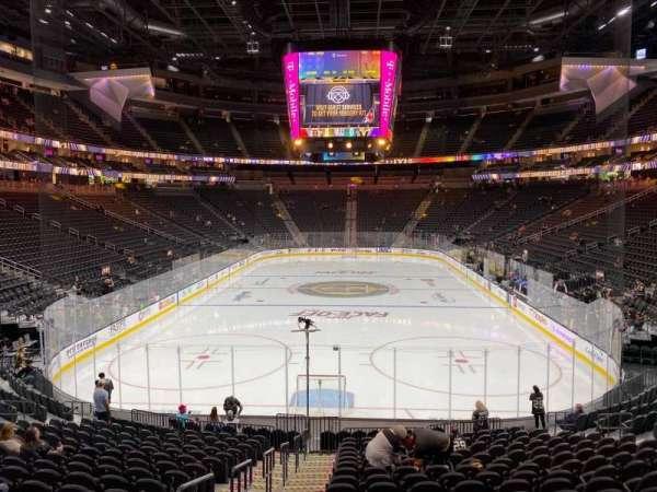 T-Mobile Arena, secção: 1, fila: S, lugar: 2