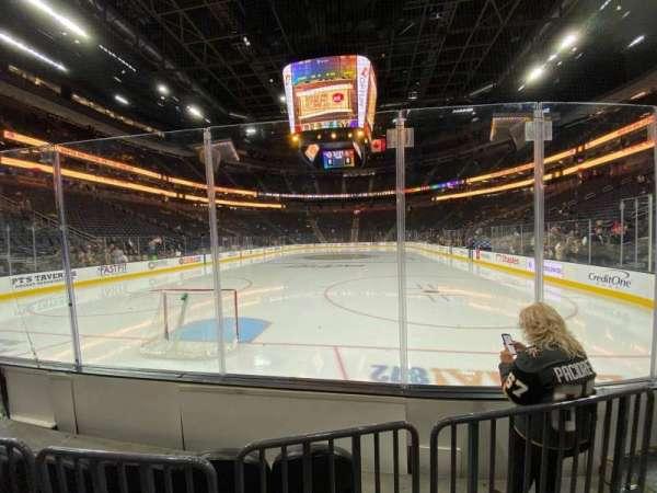 T-Mobile Arena, secção: 1, fila: B, lugar: 6