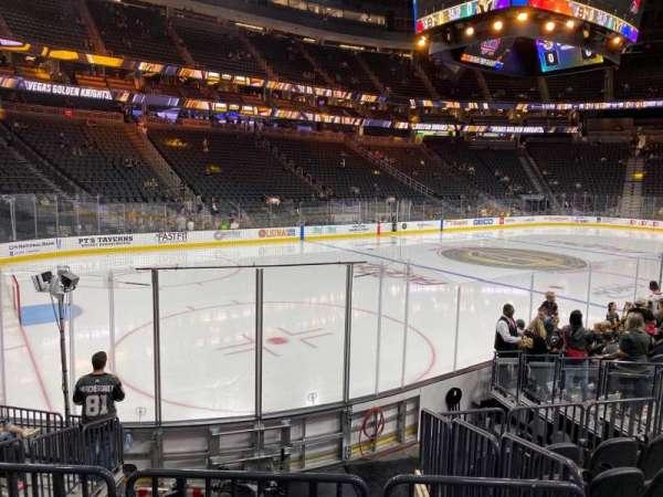 T-Mobile Arena, secção: 3, fila: H, lugar: 5