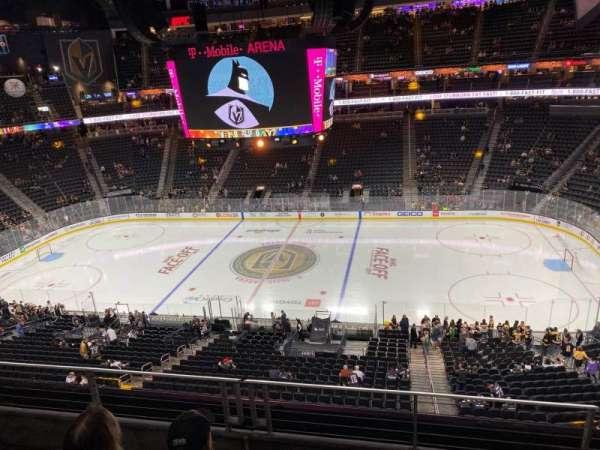 T-Mobile Arena, secção: 206, fila: C, lugar: 14