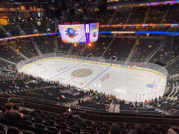 T-Mobile Arena, secção: 208, fila: H, lugar: 12