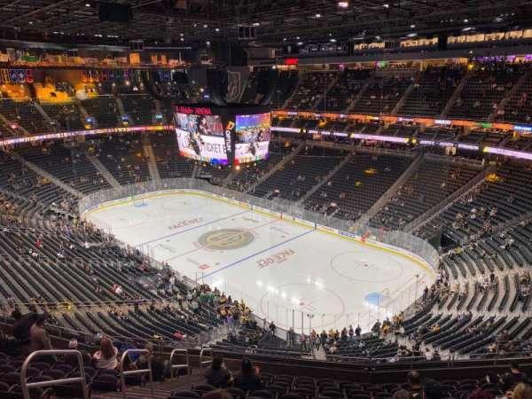 T-Mobile Arena, secção: 210, fila: M, lugar: 5
