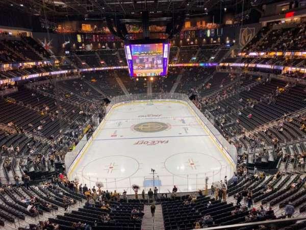 T-Mobile Arena, secção: 214, fila: B, lugar: 8