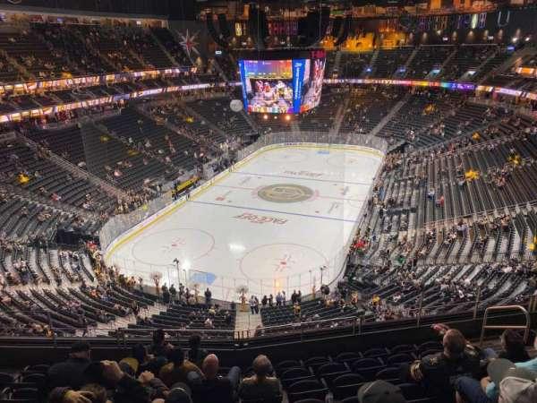 T-Mobile Arena, secção: 216, fila: H, lugar: 9