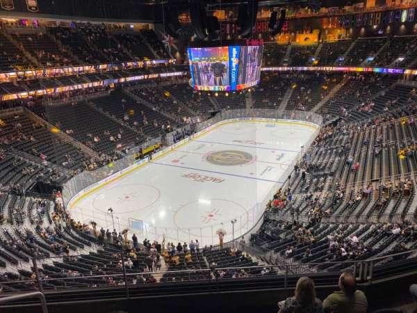 T-Mobile Arena, secção: 217, fila: E, lugar: 3