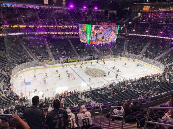 T-Mobile Arena, secção: 220, fila: H, lugar: 14