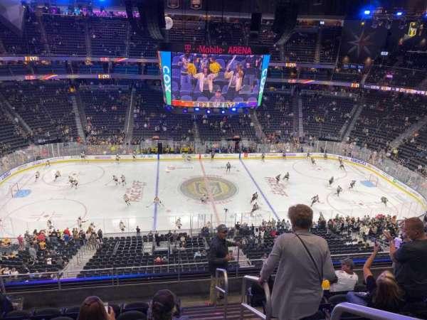 T-Mobile Arena, secção: 222, fila: G, lugar: 18