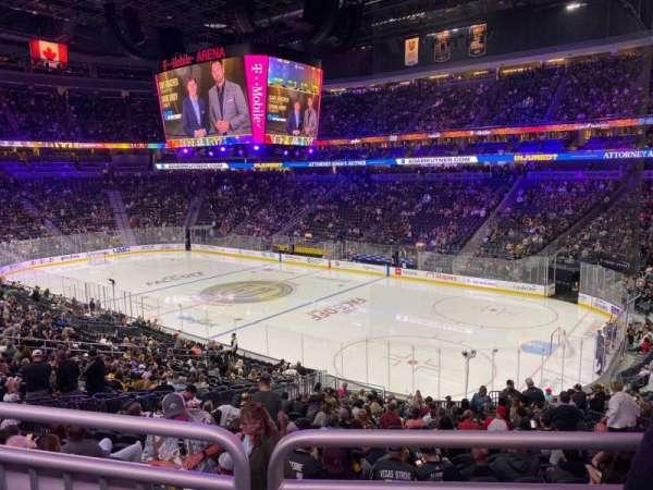 T-Mobile Arena, secção: 18, fila: Wc, lugar: 10