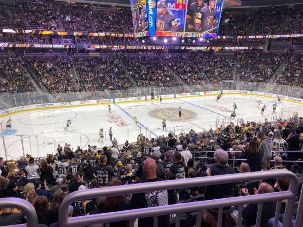 T-Mobile Arena, secção: 4, fila: Wc, lugar: 6