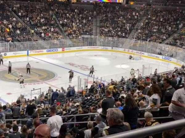 T-Mobile Arena, secção: 4, fila: Wc, lugar: 5