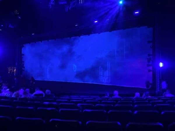 Blue Man Group Theater, secção: 103, fila: H, lugar: 40
