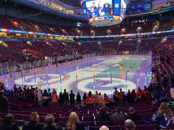 Rogers Arena, secção: 110, fila: 14, lugar: 103