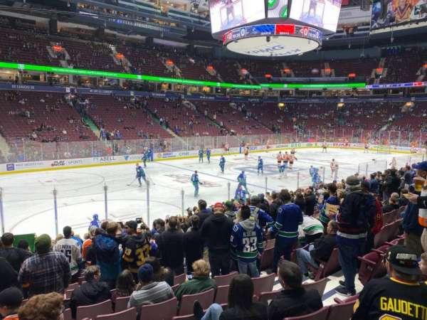 Rogers Arena, secção: 119, fila: 14, lugar: 106