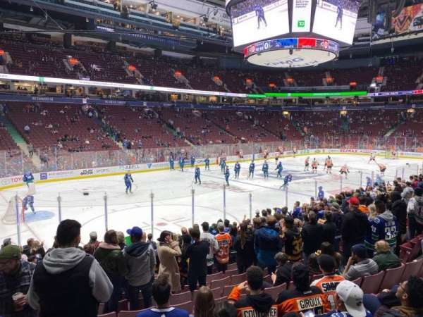 Rogers Arena, secção: 120, fila: 6, lugar: 3