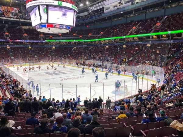 Rogers Arena, secção: 102, fila: 18, lugar: 102