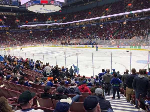Rogers Arena, secção: 103, fila: 12, lugar: 101