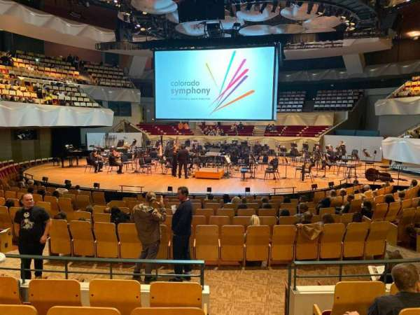 Boettcher Concert Hall, secção: Orch 2, fila: N, lugar: 51
