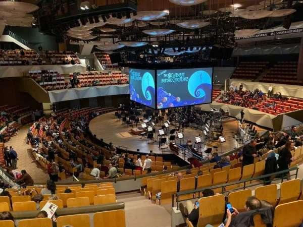 Boettcher Concert Hall, secção: Mzz 4, fila: J, lugar: 15