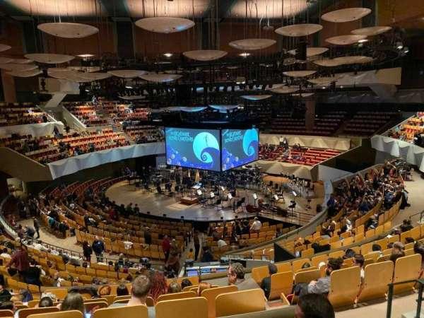 Boettcher Concert Hall, secção: Mezz 5, fila: M, lugar: 22
