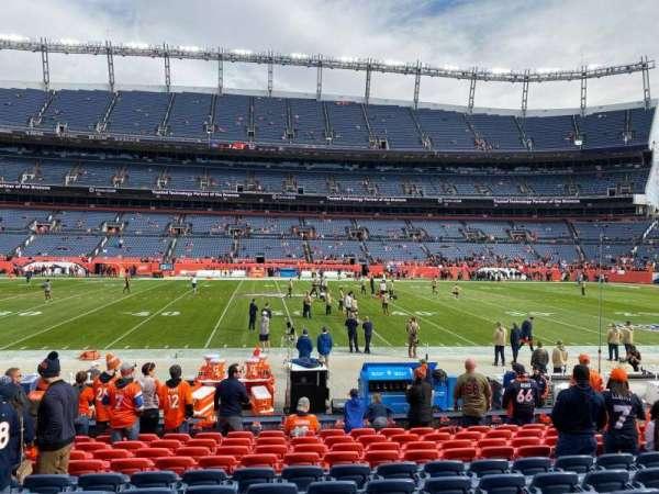 Empower Field at Mile High Stadium, secção: 105, fila: 12, lugar: 18