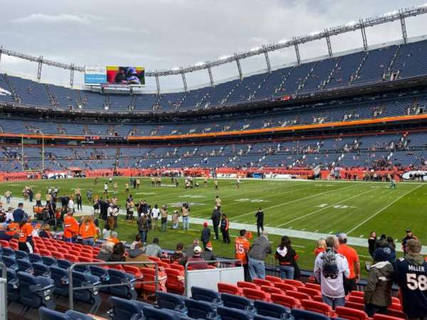 Empower Field at Mile High Stadium, secção: 101, fila: 11, lugar: 9