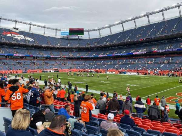 Empower Field at Mile High Stadium, secção: 100, fila: 12, lugar: 21