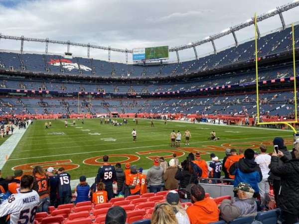 Empower Field at Mile High Stadium, secção: 134, fila: 10, lugar: 8