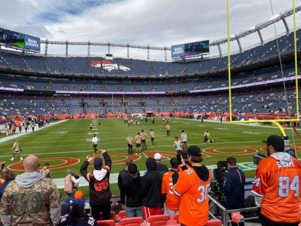 Empower Field at Mile High Stadium, secção: 133, fila: 8, lugar: 12