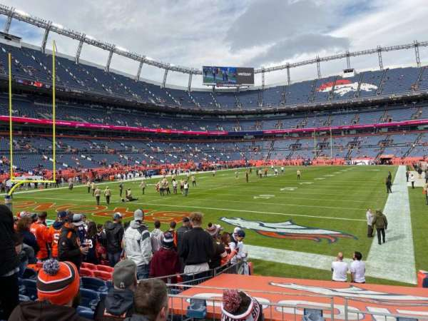 Empower Field at Mile High Stadium, secção: 130, fila: 11, lugar: 23